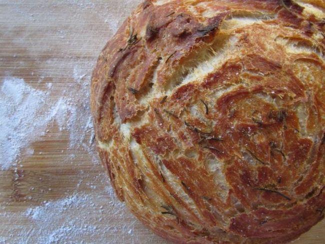 Pečenje kruha u multivarka Redmond