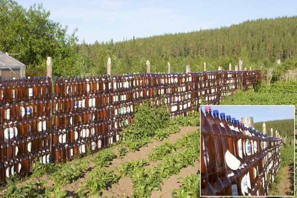 ograda sa svojim rukama od otpadnog materijala Foto